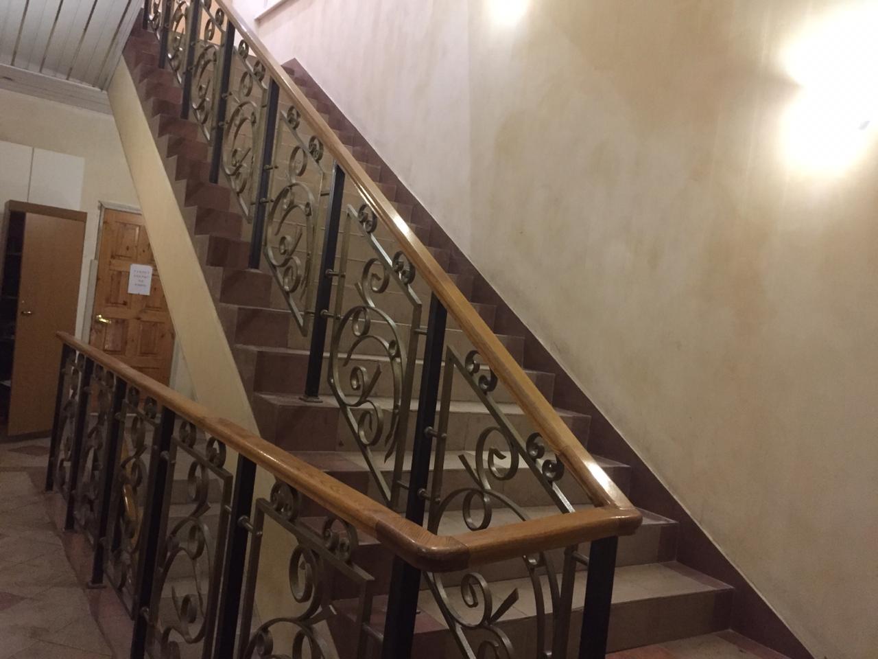 лестница хостела в сокольниках